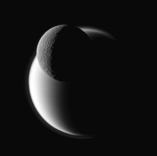 Cassini_titan_rhea