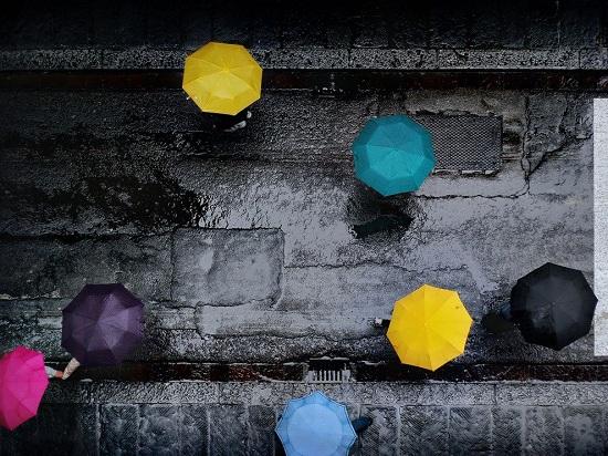 Umbrellas-florence-italy_60643_990x742