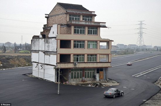 House-road-china