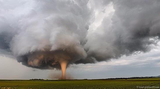 Tornado-traer