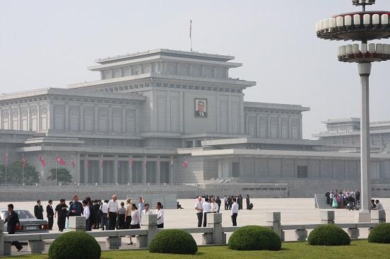 Kumsusan_Memorial_Palace,_Pyongyang