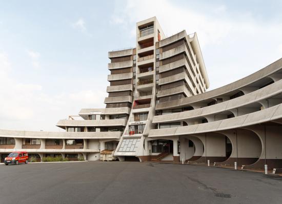 Eric-tabuchi_architecture_Brutalism_FranceAtlas-of-forms_24