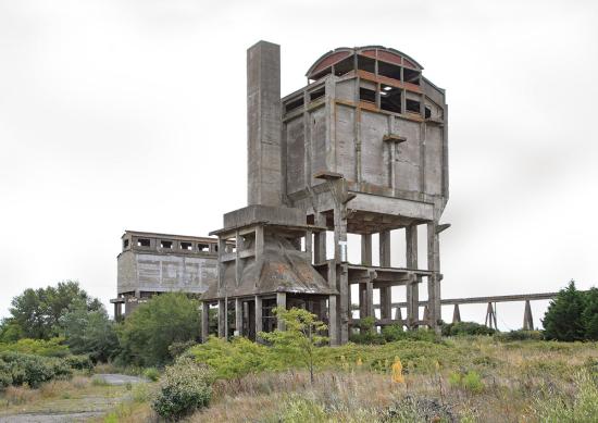 Eric-Tabuchi_concrete_Abandoned_0