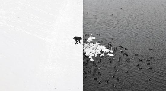Great-Street-Photographs-Marcin-Ryczek-Krakow-2013