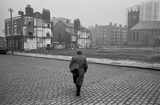 Hedges-Returning-from-work-across-clearence-site-Liverpool-8-1969-172-34-1280x839