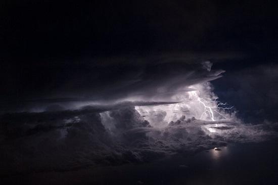 Socha-clouds