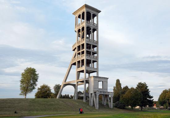 Eric-Tabuchi_concrete_Abandoned_8