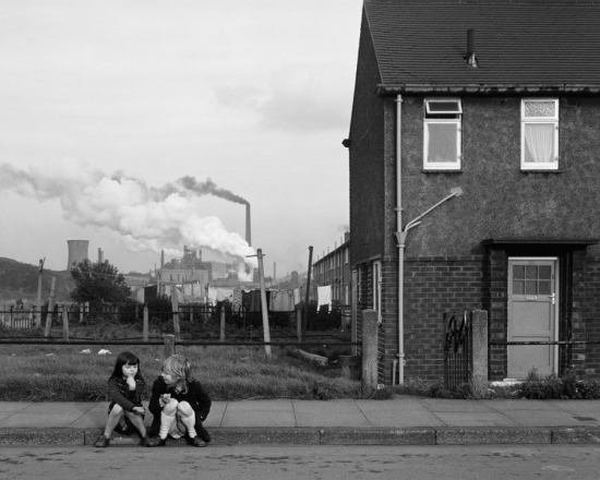 Chris_Killip_Blog_Two-girls -Grangetown -Middleborough -Teeside -1975