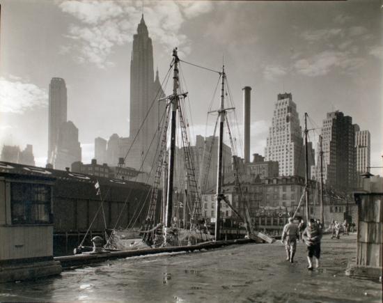 Abbott-Fulton-Street-Dock-Manhattan-skyline-Manhattan