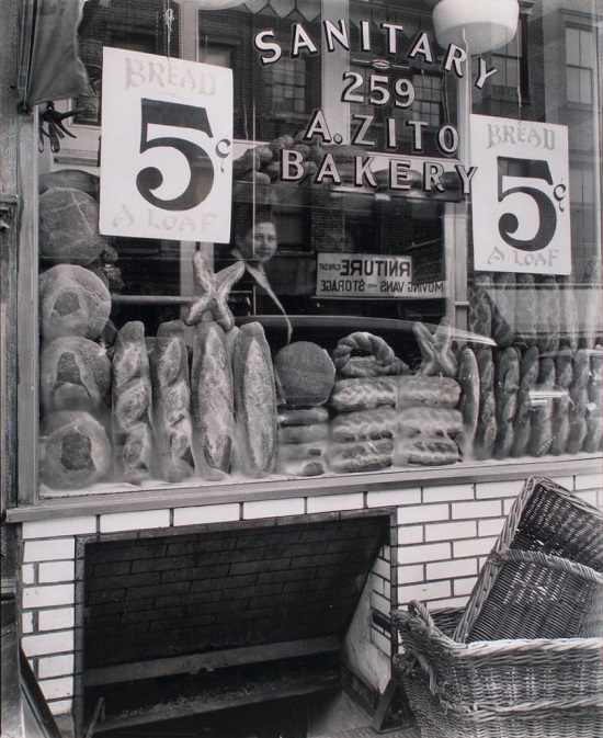 Bread-Store-259-Bleecker-Street-Manhattan-833x1024