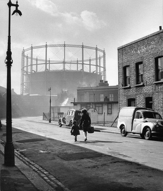Wolf-suschitzky-nine-elms-london-1955