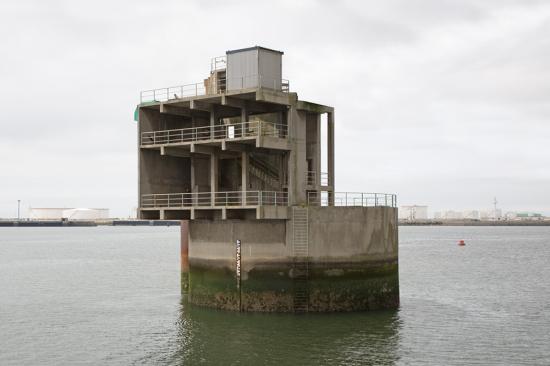 Eric-Tabuchi_concrete_Abandoned_9