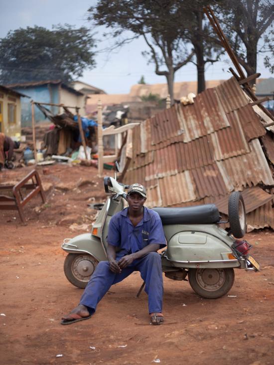 Uganda-vespa2