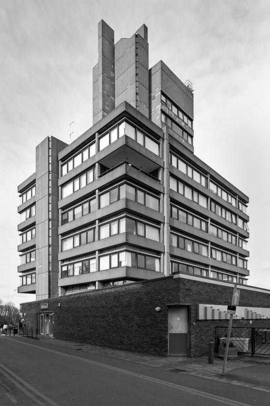 Simon_phipps_charles_wilson_building_leicester_01