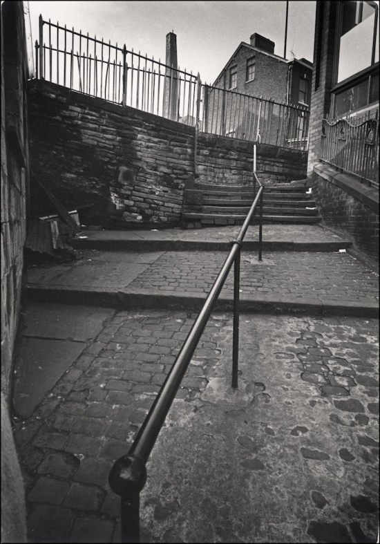 Thorpe-STOCKPORT-STEPS-AND-RAIL
