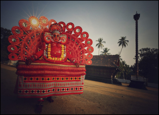 Rainier-Theyyam-Performance-Kerala-India-954x690