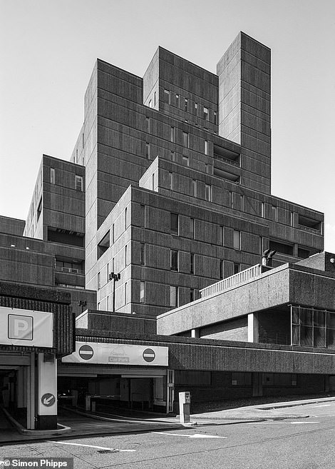 Brutal-north-former_headquarters_of_Royal_Insurance_in_Liverpool