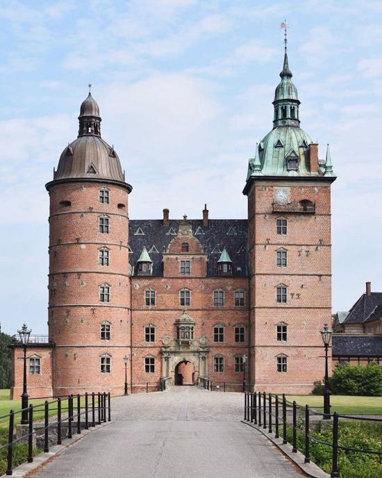 Awa-vallo-castle